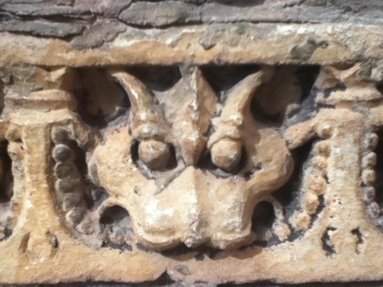 Eklingji Temple: Carvings on the entrance