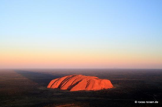 Yulara, Australia: Uluru bis zum Horizont