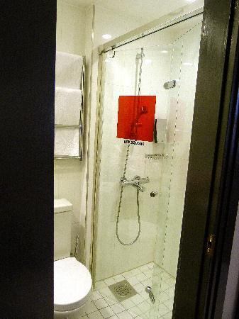 Solo Sokos Hotel Torni: shower