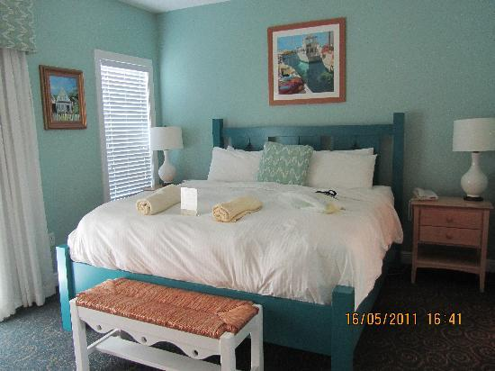 Master bedroom in 2 bedroom suite - Picture of Parrot Key Hotel and ...