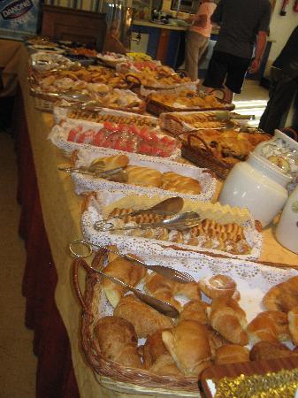 Valentin Star Hotel : Pastries at Breakfast