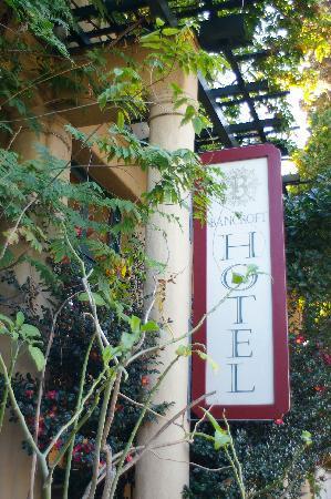 Bancroft Hotel: Bancroft Hotel Sign
