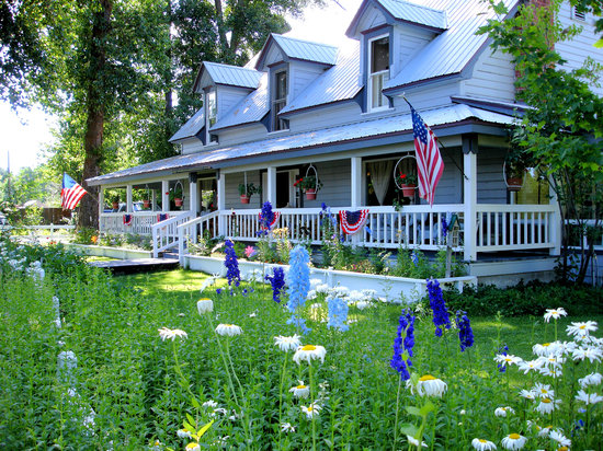 Chester, CA: The Bidwell House B&B