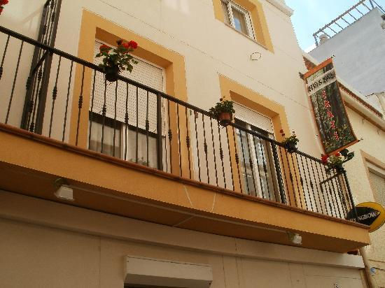Hotel Irati: Hostal Irati exterior