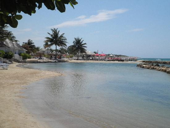 Royal Decameron Club Caribbean: Top Notch Beach