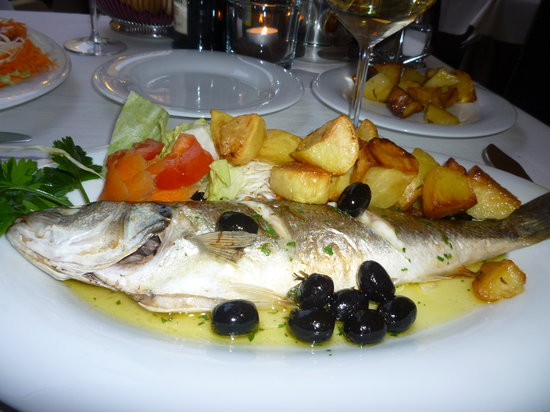 Ristorante al Gondoliere: My Sea bass and roast potatoes
