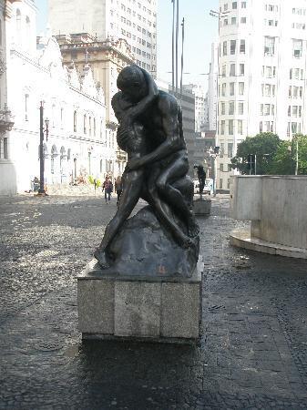 ساو باولو: Монумент любви