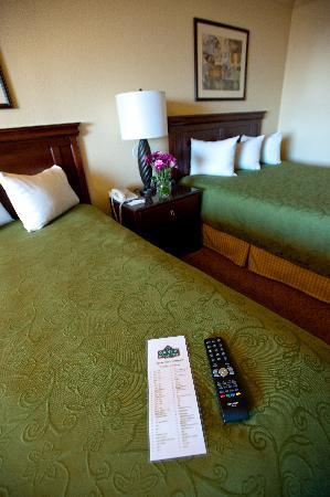 Country Inn & Suites By Carlson, Ventura: Guest Room with Queen Beds
