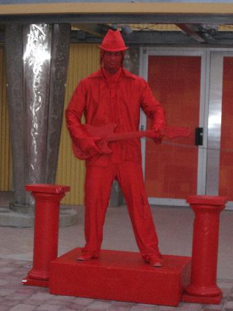 Disney Springs: Live statue