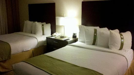 Holiday Inn St Paul Downtown: Room with two queens