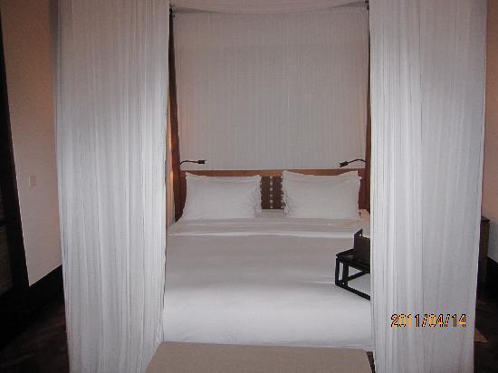 The Legian Bali : こんな寝室に一度は寝たかった