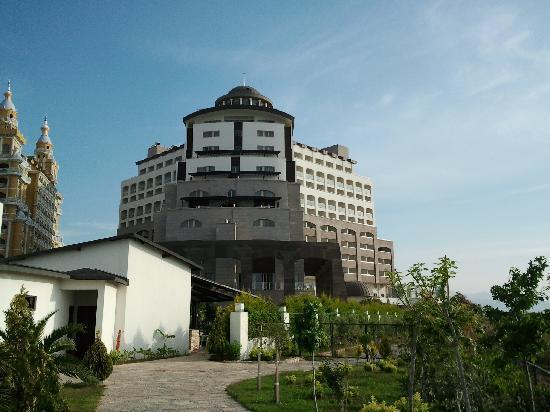 Melas Lara Hotel: outer view