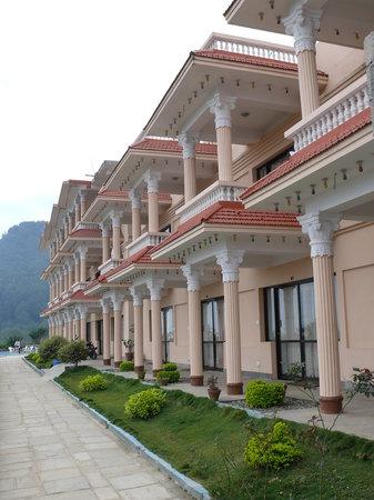 Outlook Inn: facade of the hotel