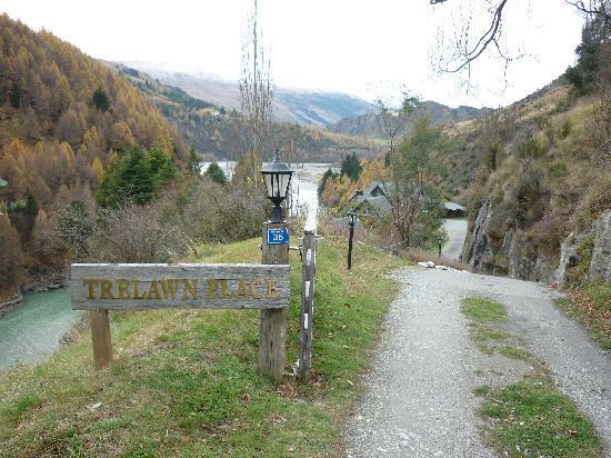 Trelawn Place: entrance