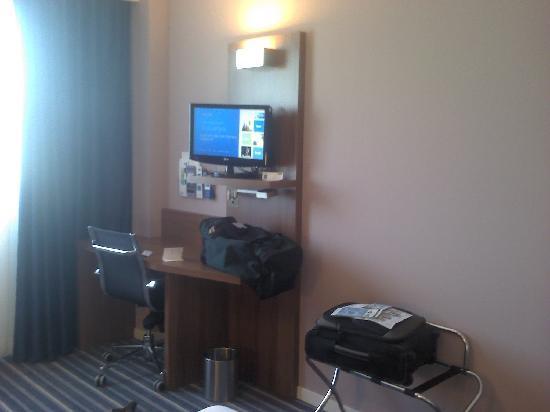 Holiday Inn Express Campo de Gibraltar - Barrios: bureau et TV