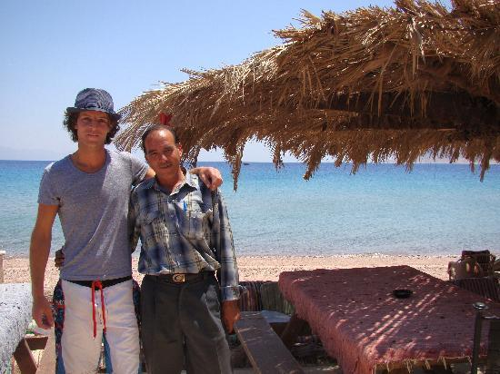 Sayadeen Village Nuweiba: With the wonderful Bob from the beach bar