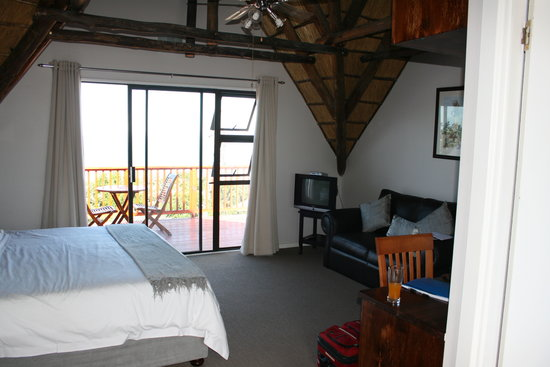 Crawford's Beach Lodge: Pleasant room