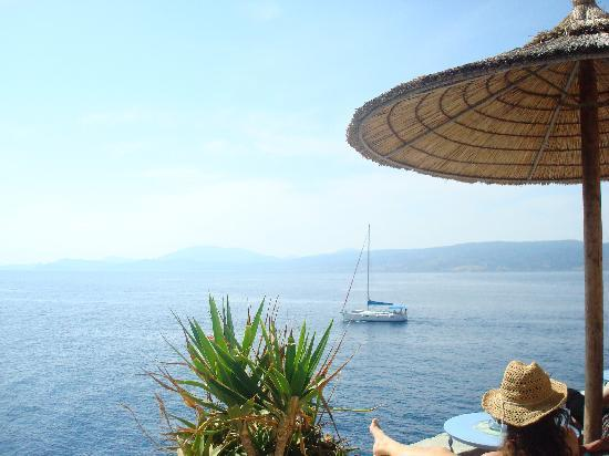 Piteoussa Guest House: Visit Ydra and stay in Pitiousa guest house