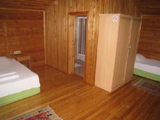 Almira Butik Hotel: Bungalow room