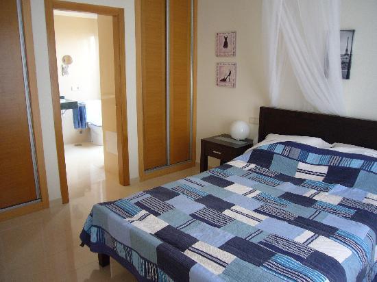 Vista Lobos Villas : Master Bedroom (Casablanca)