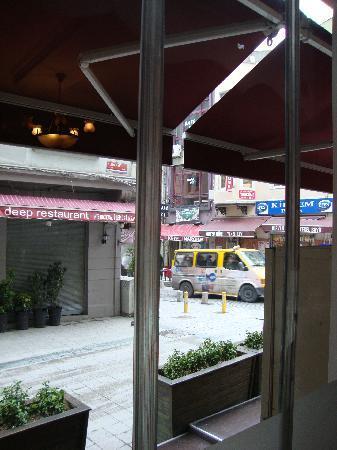 Santa Ottoman Hotel: View from entrance door