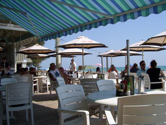 Sandbar Restaurant : Outdoor area