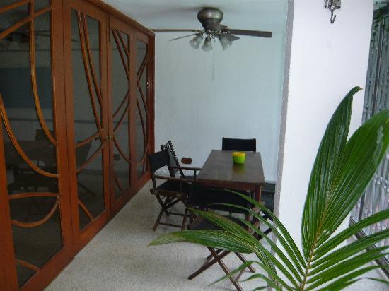 Hostel Villa Vento Surf: one of the social areas