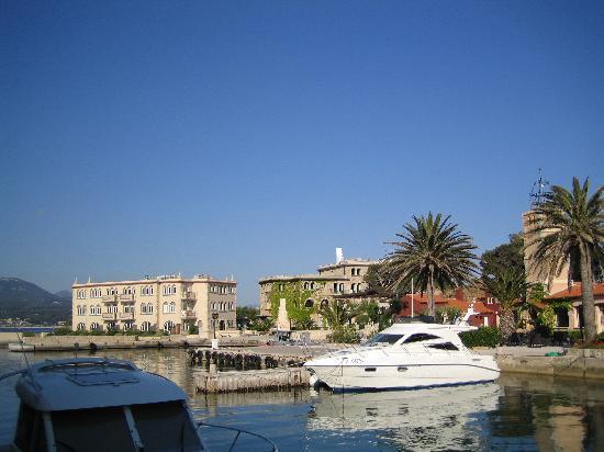 Hotel Le Delos : Port, Délos, Palais
