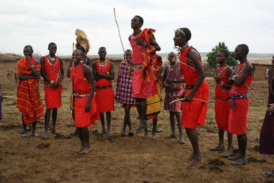 African Memorable Safaris: Masai dancers