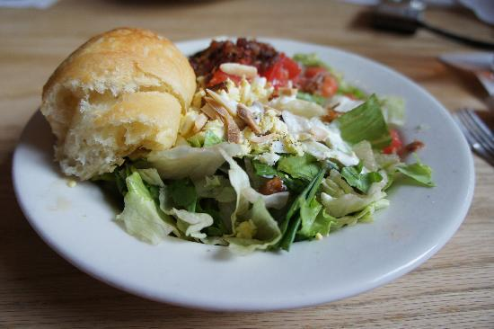 Carolina Roadhouse : The house salad and the awesome rolls!