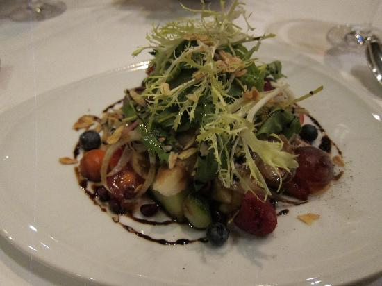 Rossini's: The refreshing mixed fruits and vegetable salad