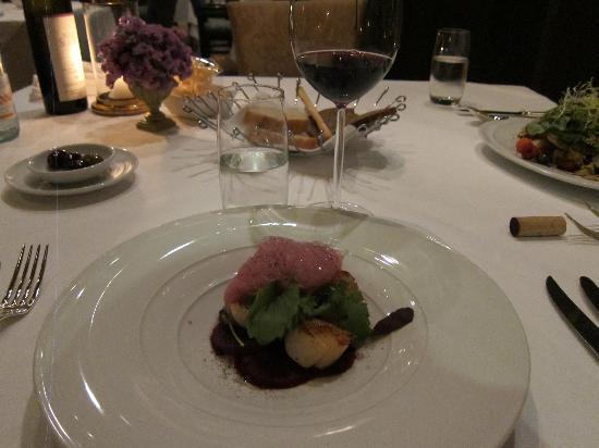 Rossini's: The pan seared scallops
