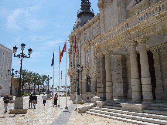 Rathaus Cartagena /Blickrichtung Hafen