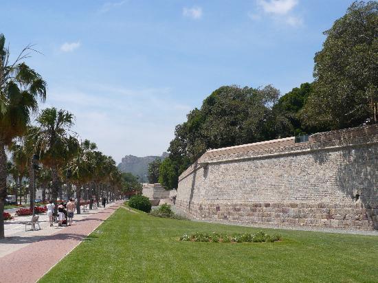 Cartagena, Spain: Teil der Stadtmauer Carlos III