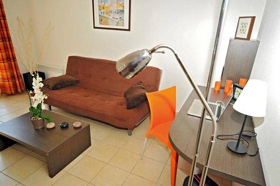 Appart'City Grenoble Meylan : Park&Suites Confort Grenoble Meylan - 1-bedroom Apartment