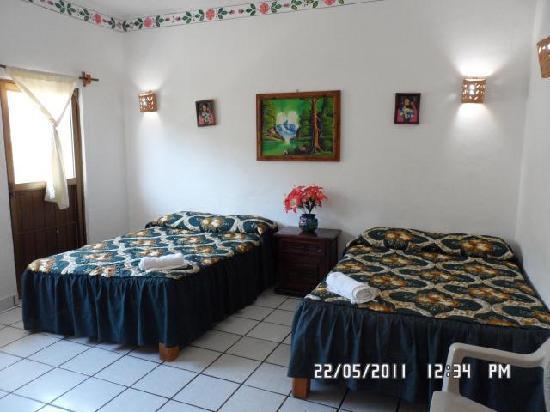 Hotel Posada Lily: Habitacion de 1 a 4 personas