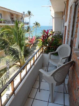 Hotel Posada Lily: Balcon con vista parcial al mar