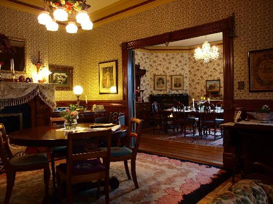 Elmwood Heritage Inn: First floor & Dining room