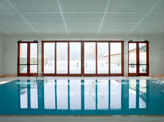 Hotel McCall : Brand new swimming pool overlooking Payette Lake