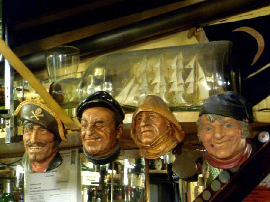 Morawel B & B: the quiky and cozy Ship Inn pub