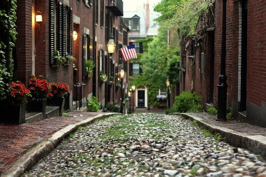 Exploring Beacon Hill: Boston, Massachusetts' Historic Neighborhood
