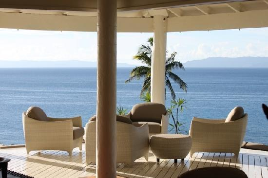 Taveuni Palms Resort: Lounge deck with a great view