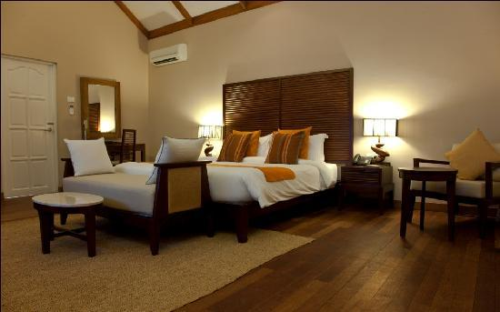 Vakarufalhi Island Resort: Beach Villa Interior