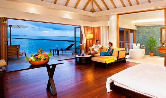 Vakarufalhi Island Resort: Water Villa Interior