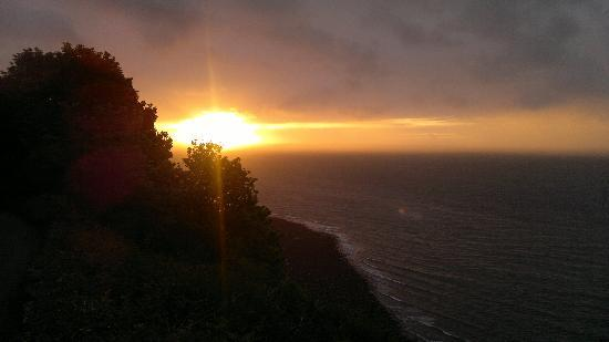 Bratton View Bed and Breakfast: Sunset on the North Devon Coast