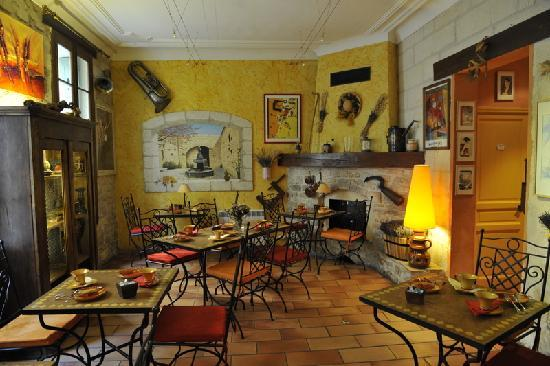 Hotel Le Colbert : Dining room where breakfast is served daily