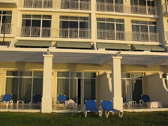 Sheraton Bijao Beach Resort: ground floor unit