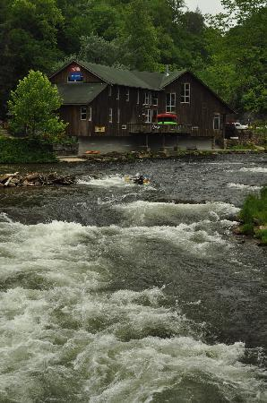 Great Smoky Mountains Railroad: Rapids at the NOC