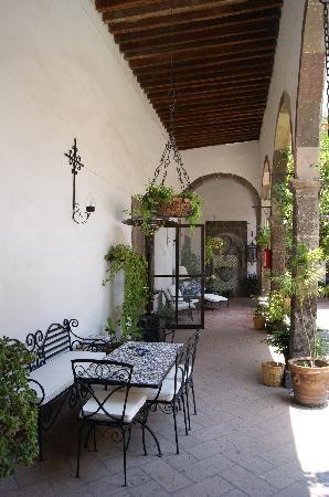 Casa Carmen: corredor donde salen las piezas