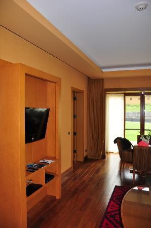 Tambo del Inka, A Luxury Collection Resort & Spa, Valle Sagrado: TV in Living room